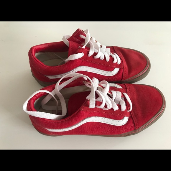 3fb4ae8142 Vans old skool red white gum sole size 5 mens 6.5W.  M 5b3861ed0cb5aab59de3f9ad